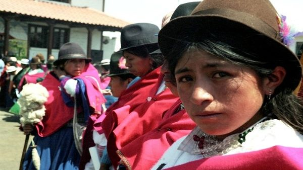 """FAO pide acabar con """"triple discriminación"""" a la mujer indígena"""