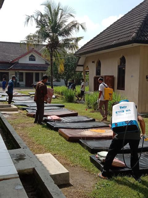 Bersih Lingkungan Akhir Pekan di Bina Laras BRSBKL Dinas Sosial DIY