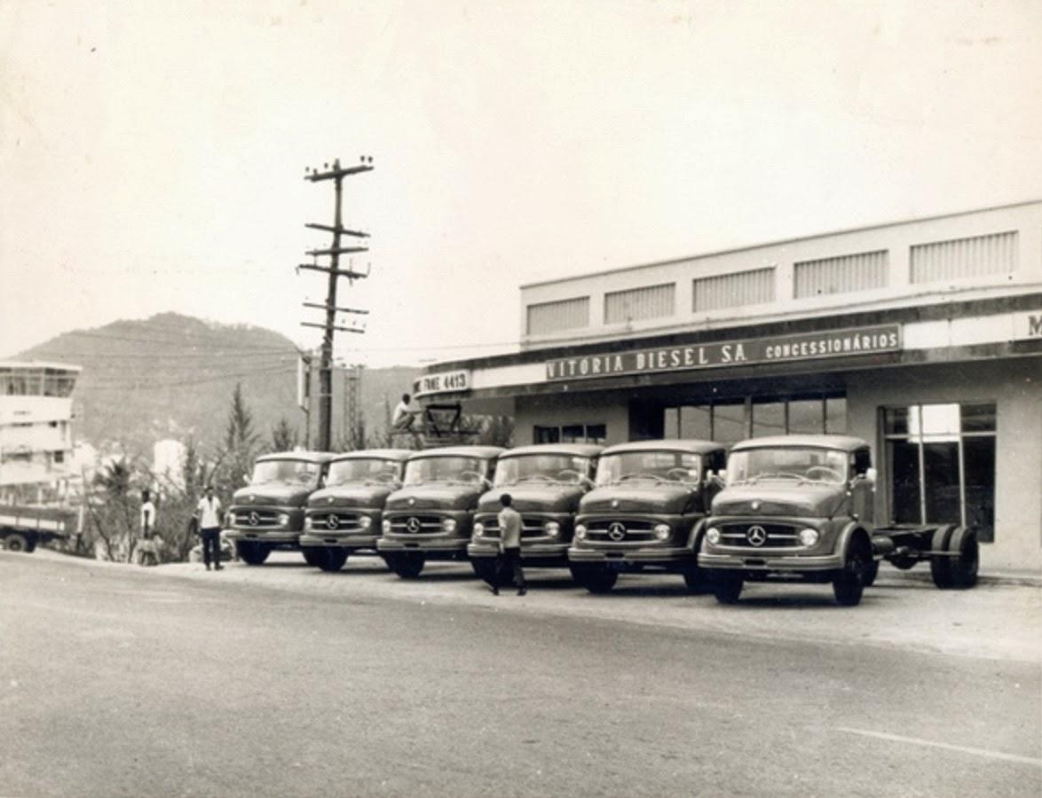 Antigos Verde Amarelo  Concessionária caminhões Mercedes - Benz ... 864cb80f94f66