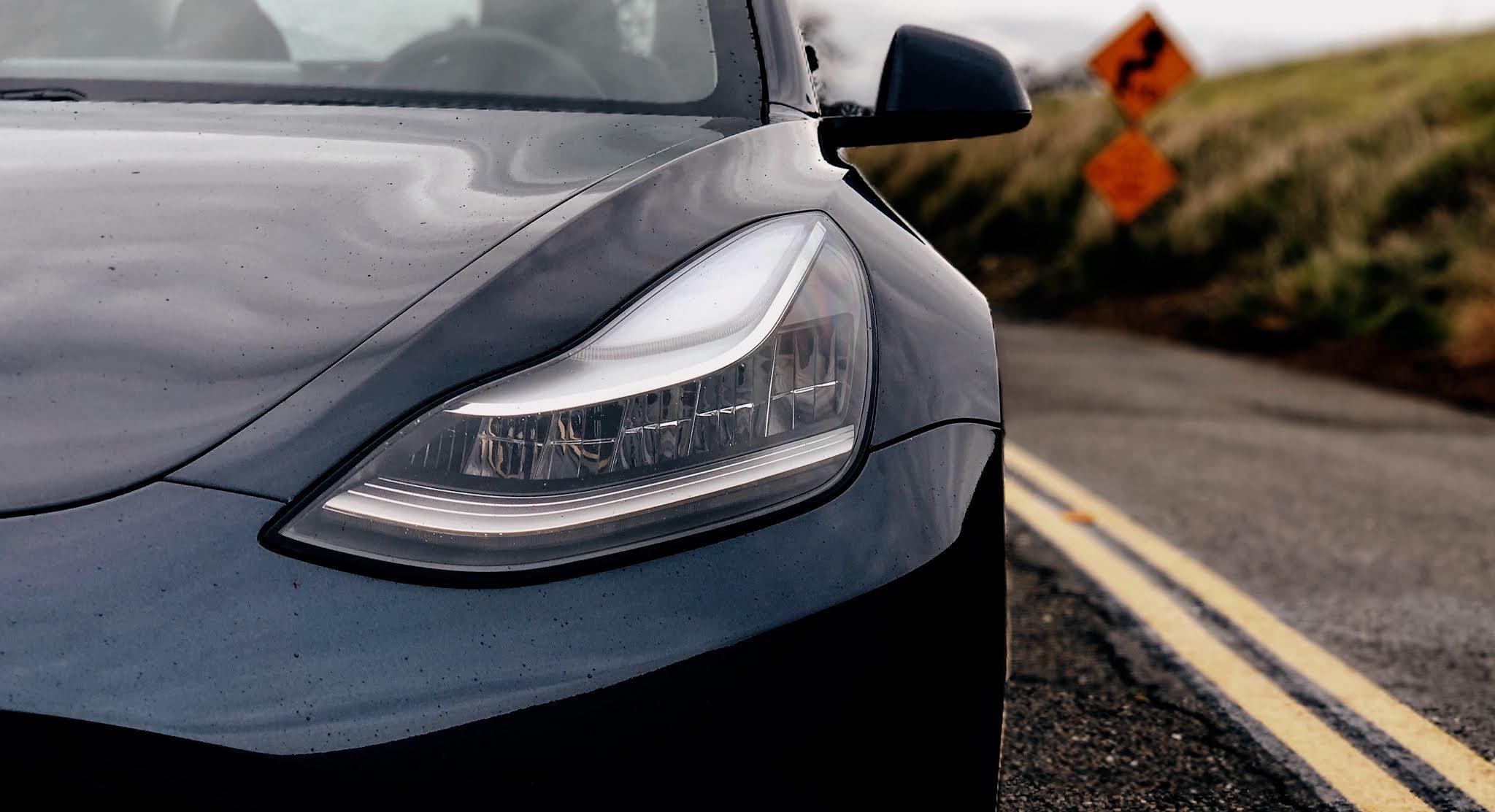 faros Tesla model 3