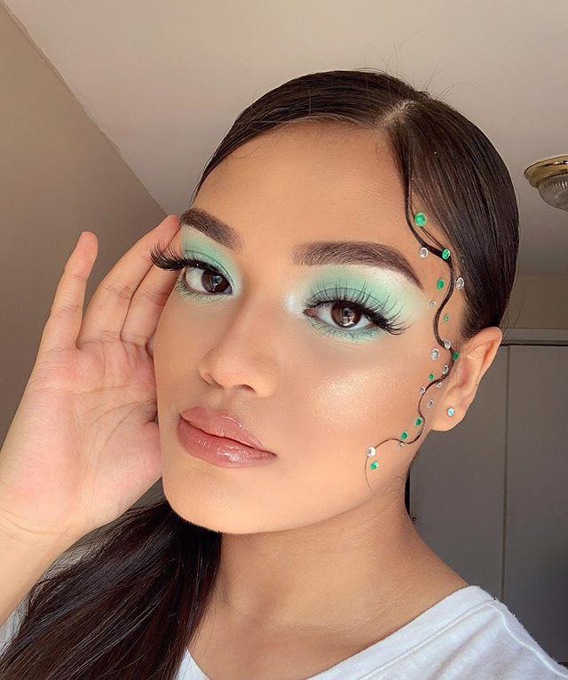 Maquiagem sombra verde mint pastel