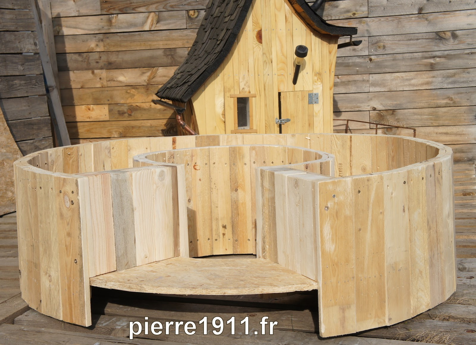 bac de permaculture dans une cr che la ronde de la vie autonomie alimentaire et nerg tique. Black Bedroom Furniture Sets. Home Design Ideas