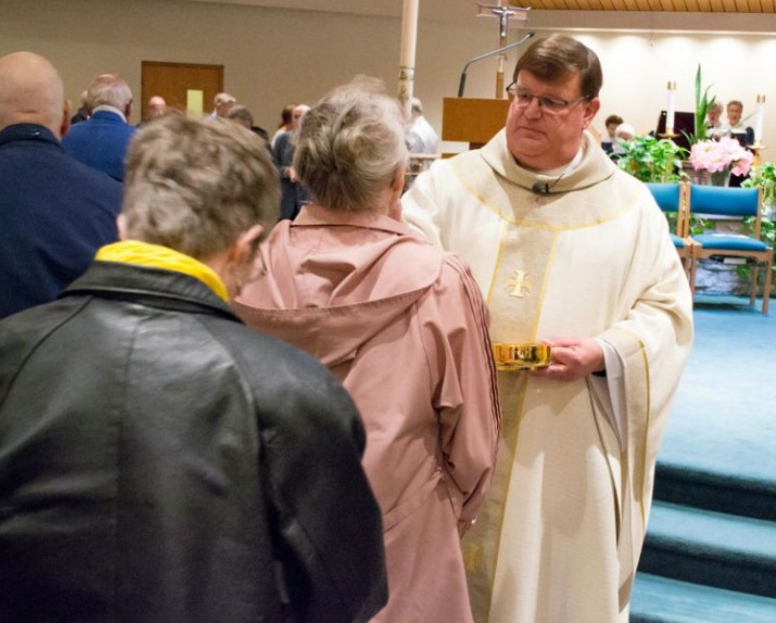catholic priest comes out gay milwaukee wisconsin
