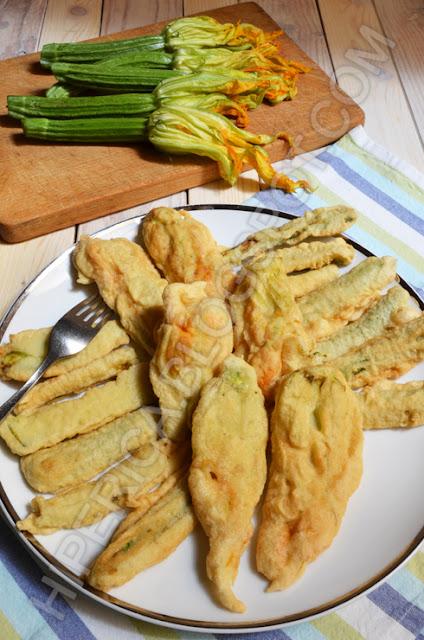 hiperica di lady boheme blog di cucina, ricette gustose, facili e veloci. Zucchine e fiori di zucca in pastella