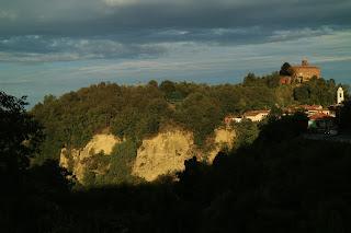 Luci del Pomeriggio su Monteu Roero