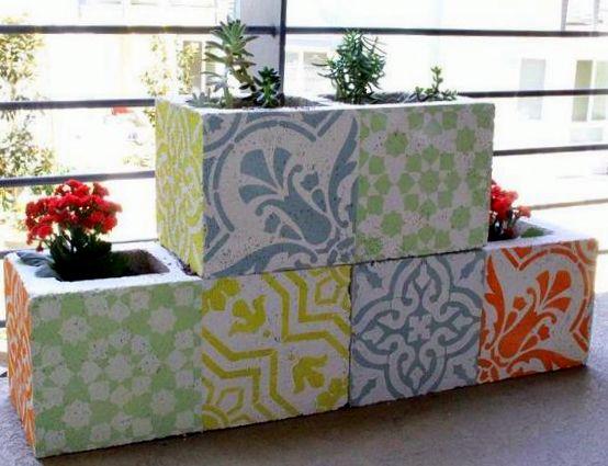 Φτιάξτε εντυπωσιακές πολύχρωμες ζαρντινιέρες με Τσιμεντόλιθους & Stencils