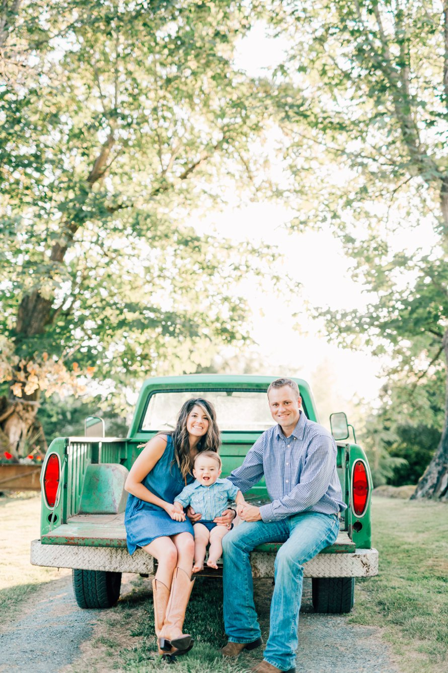 Family Farm Photo Session-Issaquah Photographers-Something More Photography