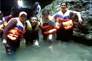 wisata cave tubing