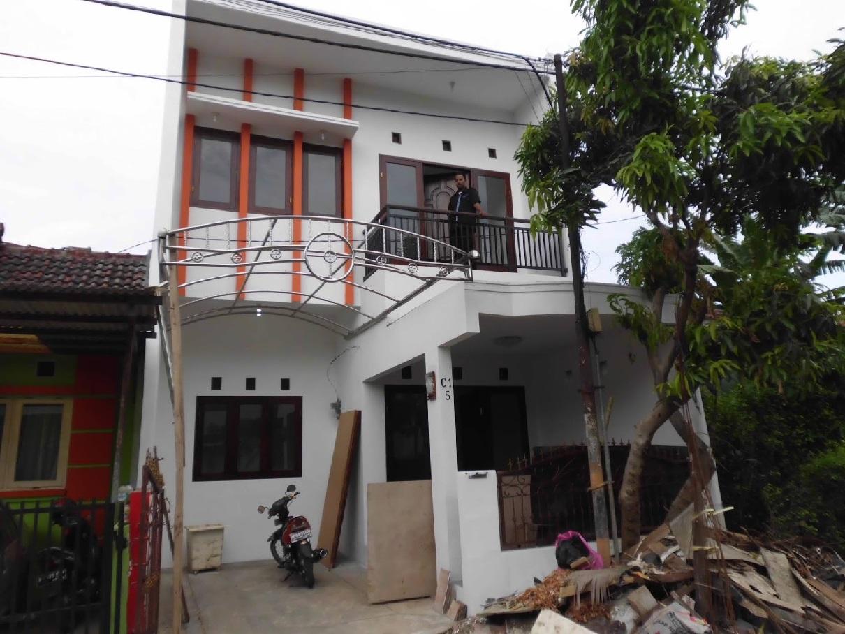 Hasil proyek Renovasi pengembangan rumah 1 lantai menjadi 2 lantai milik Bpk Agung Tirtayasa di kompleks Studio Alam, Depok, tahun 2010