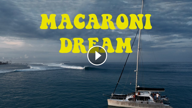 THE MACARONIS DREAM SURFING MACCAS WITH VERY FEW PEOPLE OUT VON FROTH