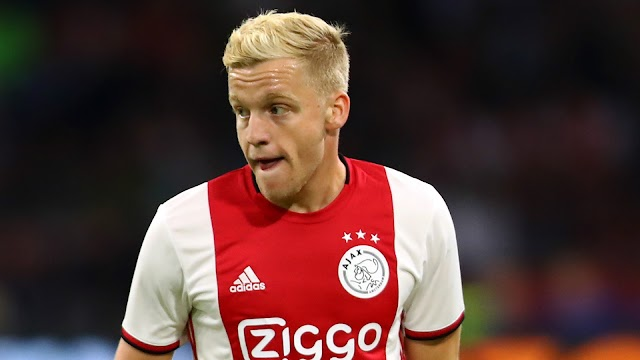 Van de Beek denies agreeing to join Real Madrid