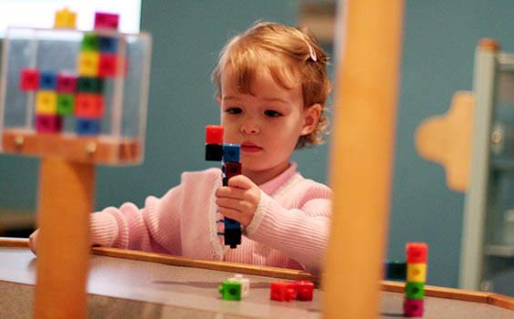 model mainan anak mengedukasi