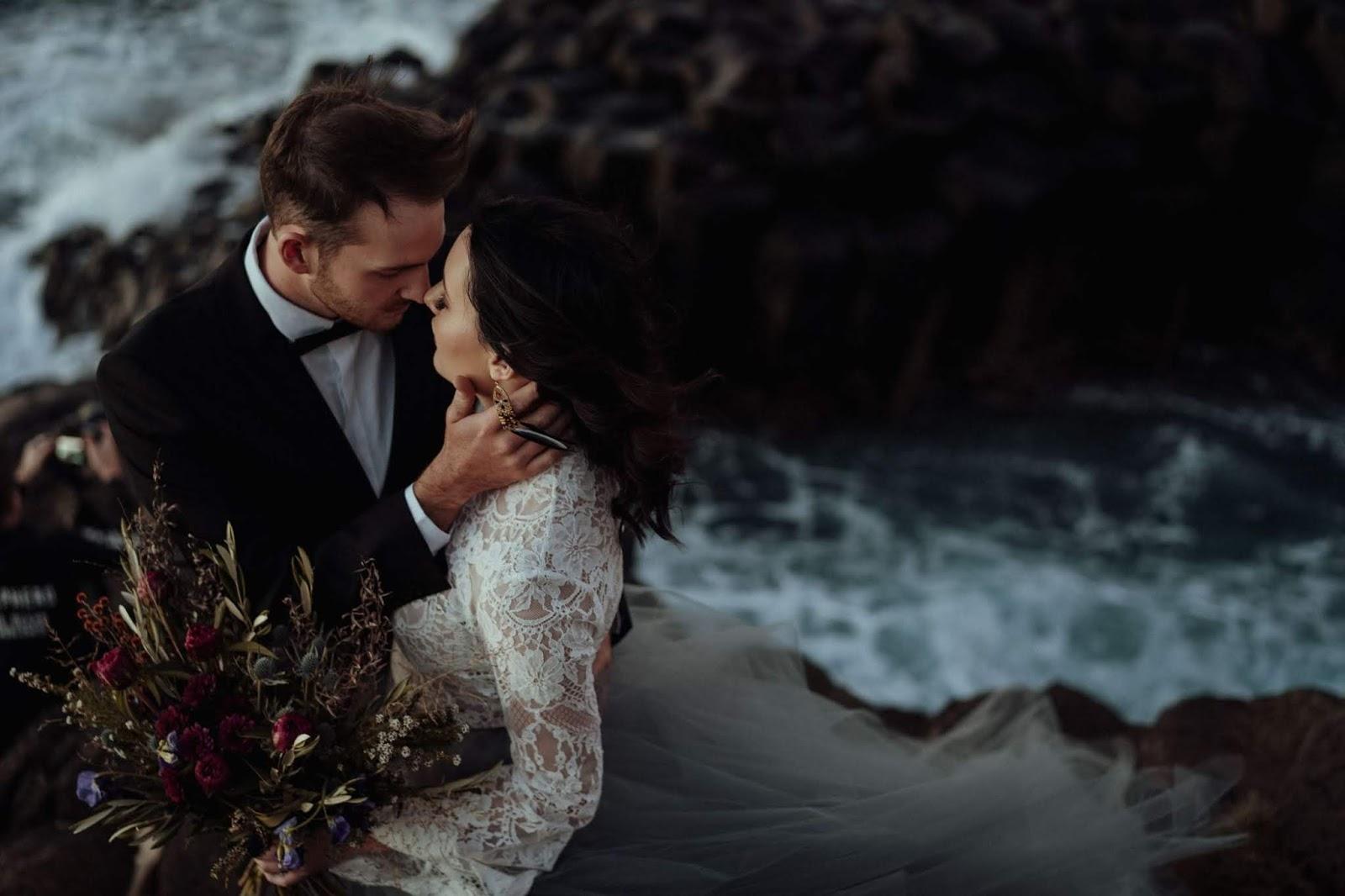 STYLED: MIDNIGHT PALETTE | ELOPEMENT WEDDING INSPIRATION FINGAL HEAD NSW