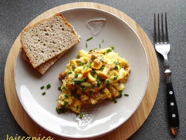 Jajecznica z kurkami - Czytaj więcej »