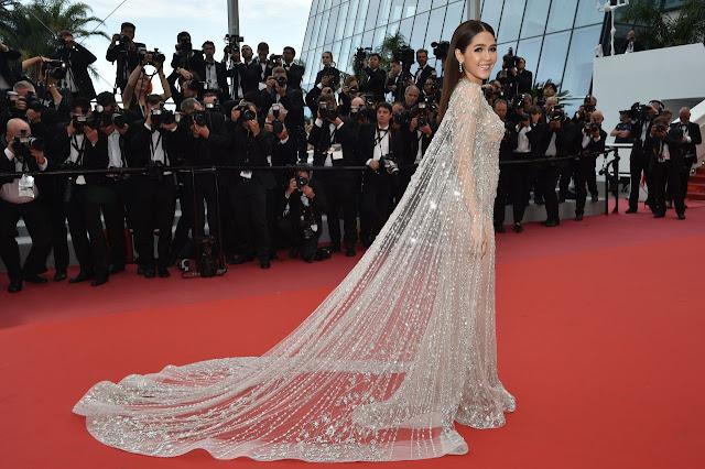 Araya Hargate Sexy Picture In Transparent Dress
