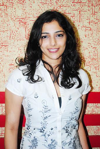Tamil Actress Ishanthi Evani Latest Image Gallery Navel Queens