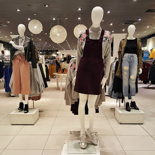 spring summer 2017 fashion mannequin shop high street