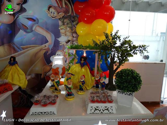Mesa decorativa infantil Branca de Neve