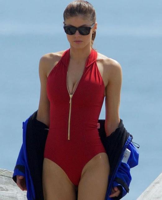 Hollywood Actress Alexandra Daddario Photos