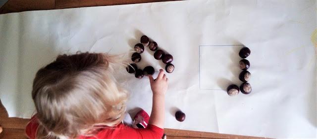 figury geometryczne z kasztanów zabawy kasztanami