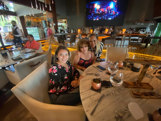 Ireny Canul, Mayra Lara y Eli Castro.