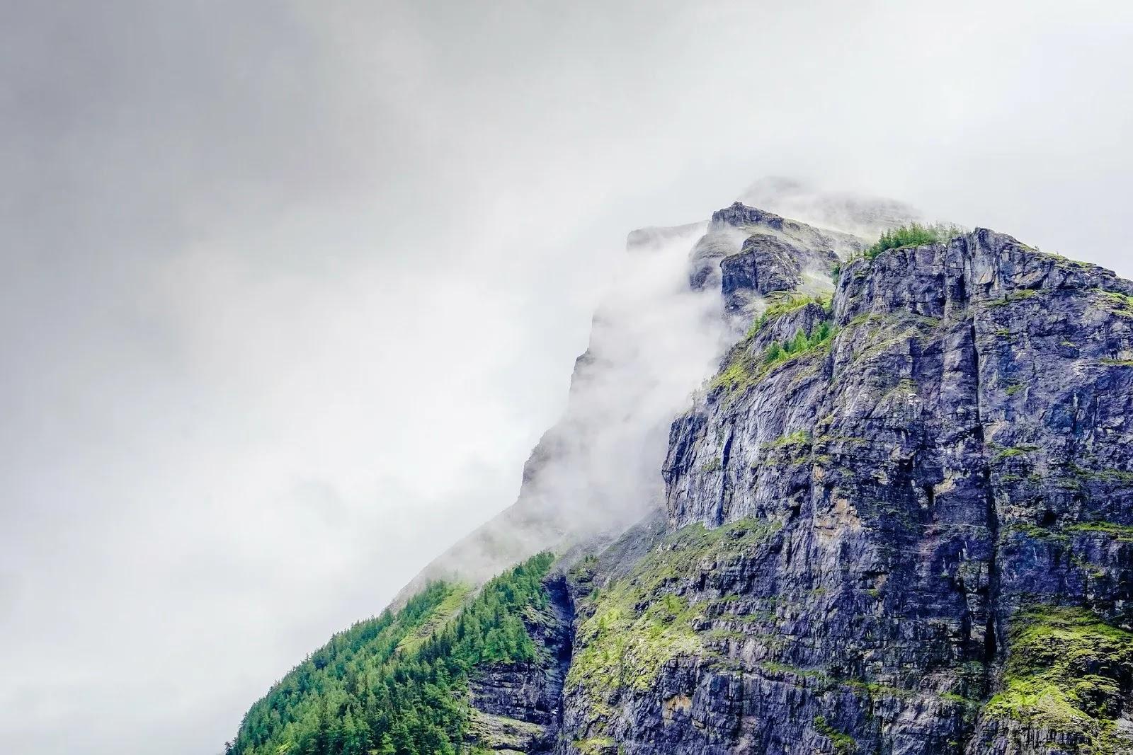 خلفيات جبال طبيعية جميلة وخلابة