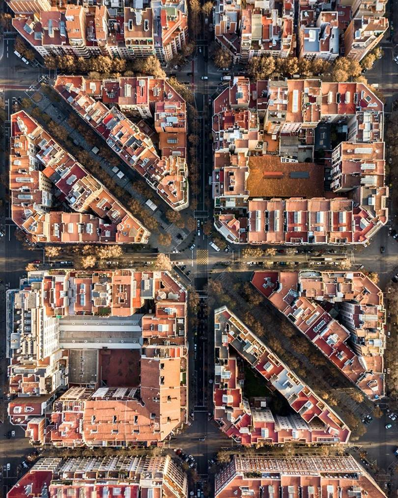 A fascinating photo series Barcelona from above, Aerial view of Barcelona, Marton Mogyorosy aerial photography, Bird eye view of city Barcelona