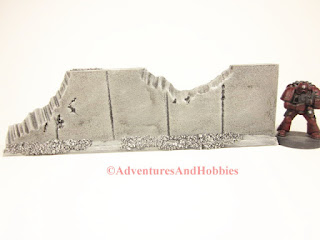 Straight concrete wall section T590 with heavy weapon damage for 25-28mm war games - UniversalTerrain.com