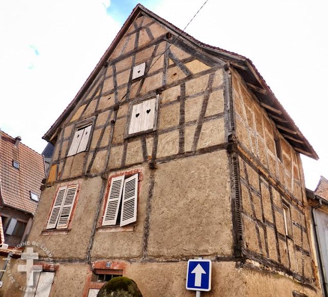 FENETRANGE (57) - Maison à pans de bois (XVIe siècle)... abandonnée ?
