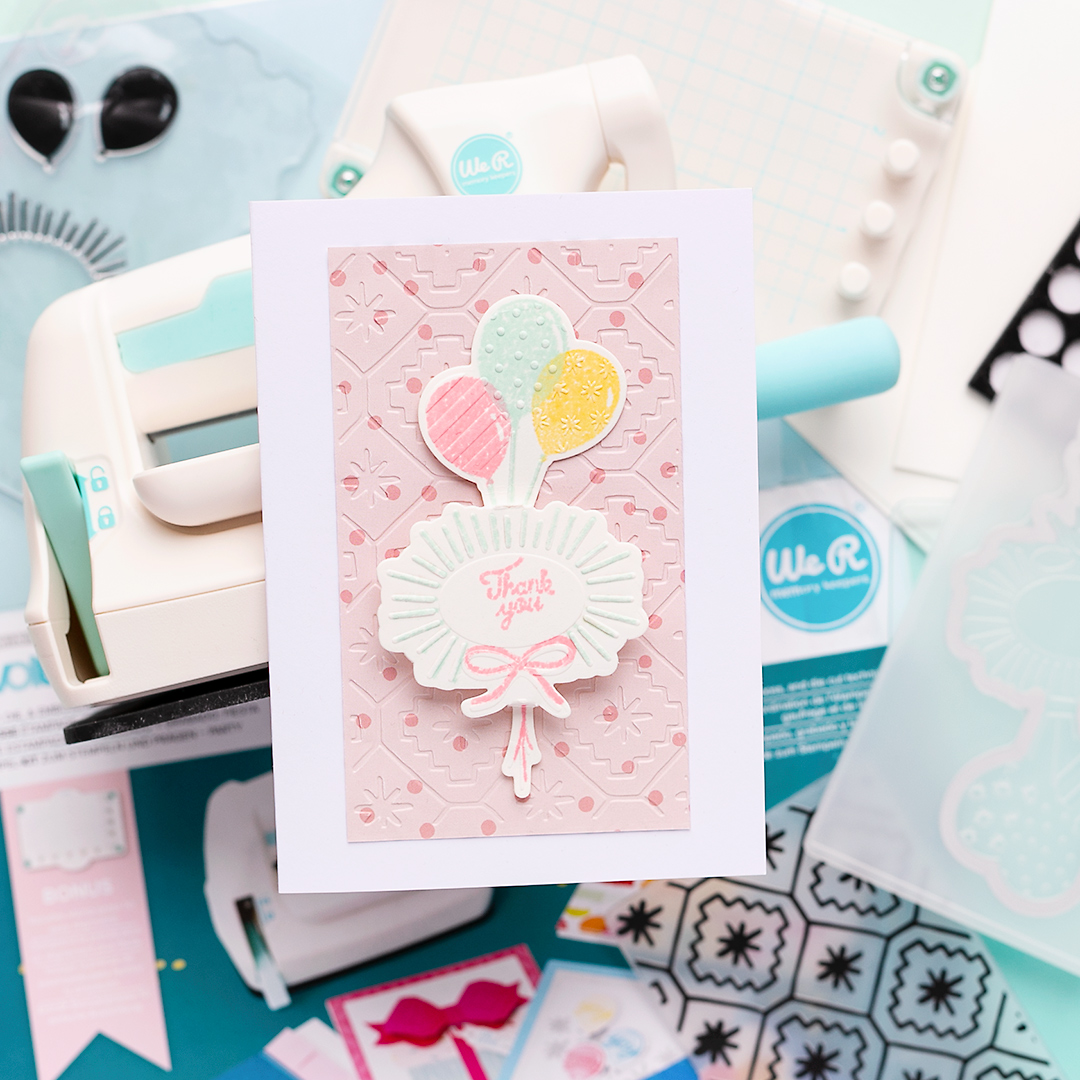 Fun party invitation cards in no time with the small die-cutting machine by We R Memory Keepers