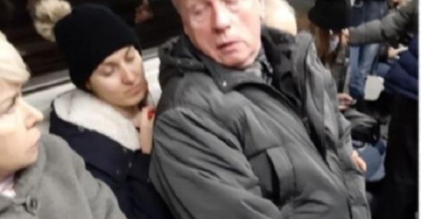 Как отомстил 60-летний мужчина, когда ему не уступили место в метро