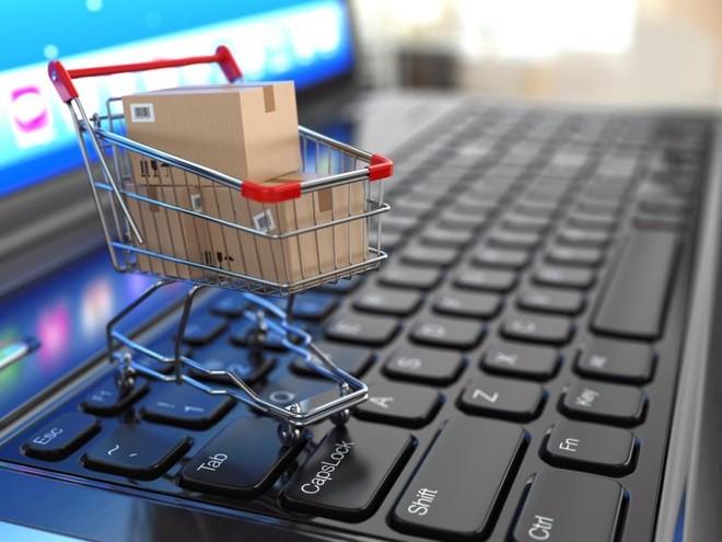 أفضل المتاجر الإلكترونية في مجال الأزياء والملابس بأفضل الأسعار