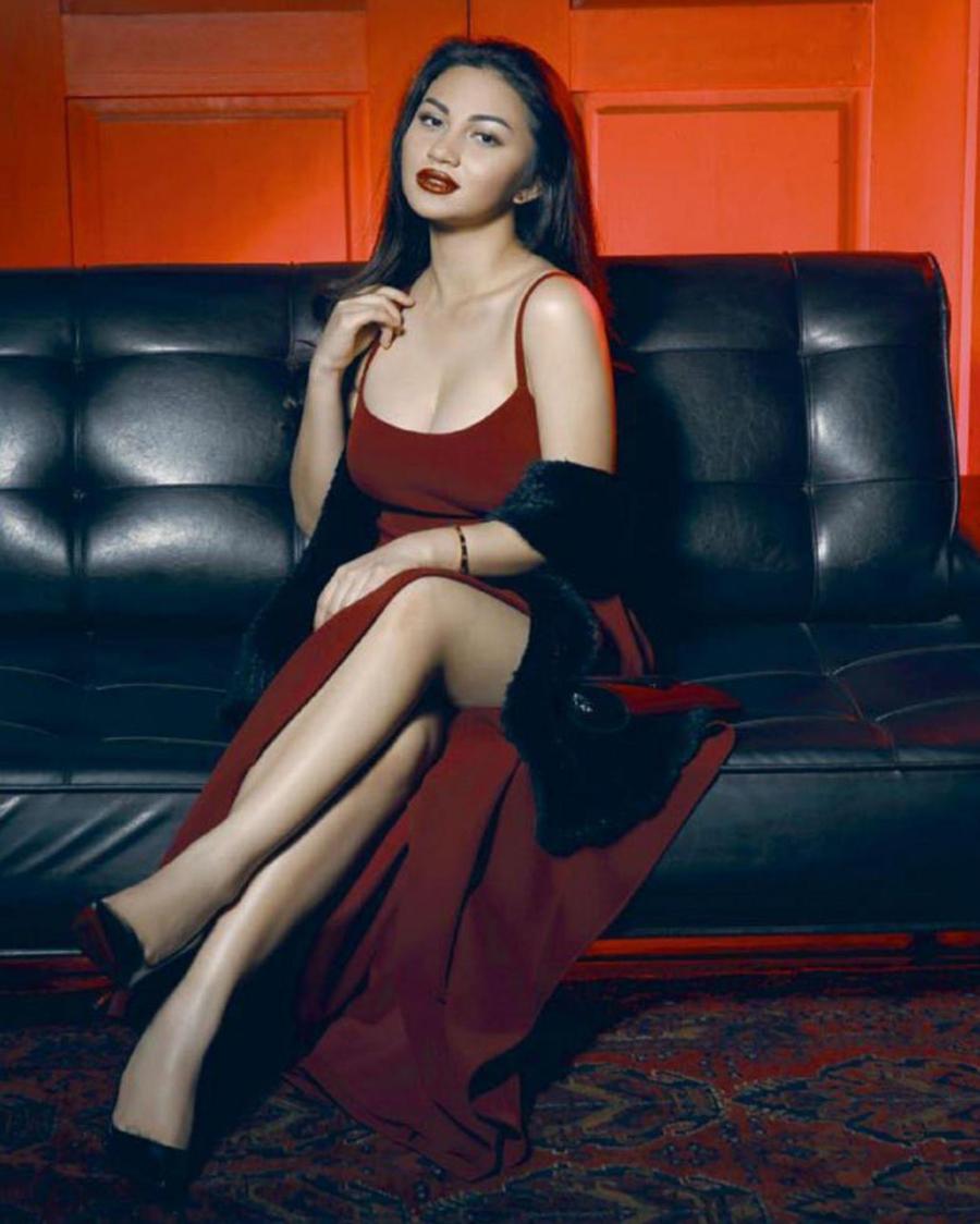 ariel tatum make up sexy dress