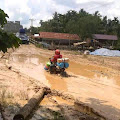 Jalan Hancur dan Berlumpur Camat Keritang : Berharap Ada Perhatian Pemerintah