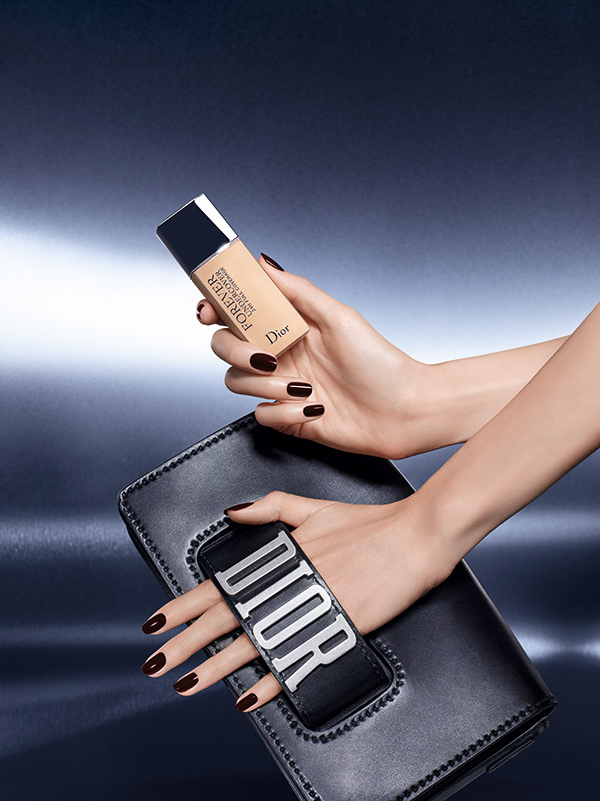 Dior-Forever-Undercover-Foundation