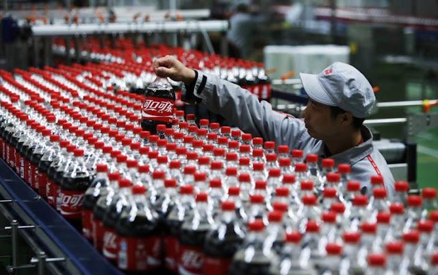 Beber refresco de cola en exceso causaría disfunción eréctil
