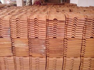 genteng karang pilang asli trenggalek, genteng kodok/karangpilang, Harga genteng karang pilang, jual genteng karang pilang, genteng keramik, genteng metal,