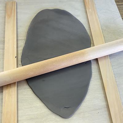 陶芸,麺棒で伸ばす