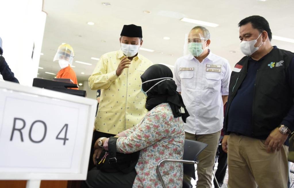 89 Ribu Nakes Jawa Barat Telah Divaksin