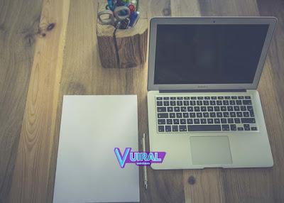 Cara Membersihkan Layar Laptop Yang Kotor Dengan Aman