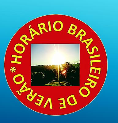 A imagem de fundo azul claro que dá a ideia de praia e ao cento o circulo na cor vermelho e caracteres em amarelo diz:horário brasileiro de verão e passa a ideia do sol e no centro uma foto dos sol resplandecendo do verão.