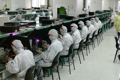 Klasifikasi Industri Berdasarkan Tenaga Kerja dan Bahan Bakunya Terlengkap