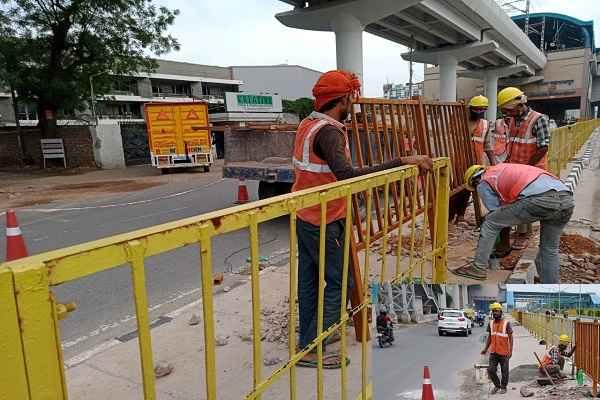 traffic-police-faridabad-repair-highway-grill-with-nhai