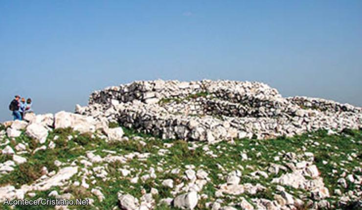 Restos arqueológicos de altar judío en Canaán