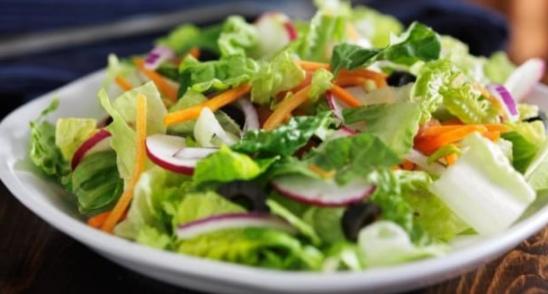 Cara Membuat Salad Buah dan Sayur Sendiri yang Segar, Enak, dan Mudah
