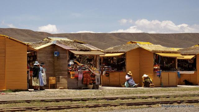 Mercado de artesanato em Tiwanaku, Bolívia