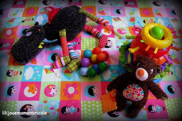 lili joue maman bricole tapis de jeux nomade. Black Bedroom Furniture Sets. Home Design Ideas