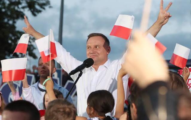 Andrzej Duda, Calon Presiden Polandia yang Anti-LGBT Menang Pemilu