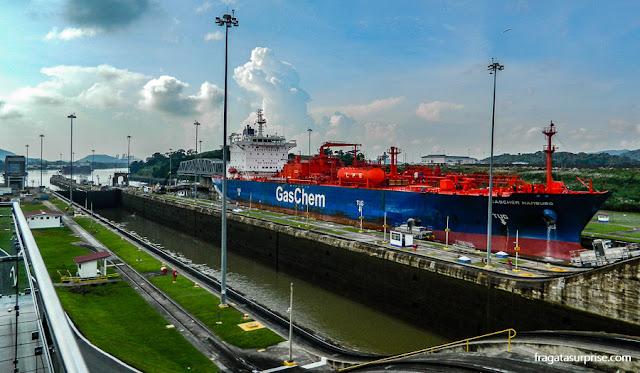 Travessia do Canal do Panamá, Eclusas de Miraflores