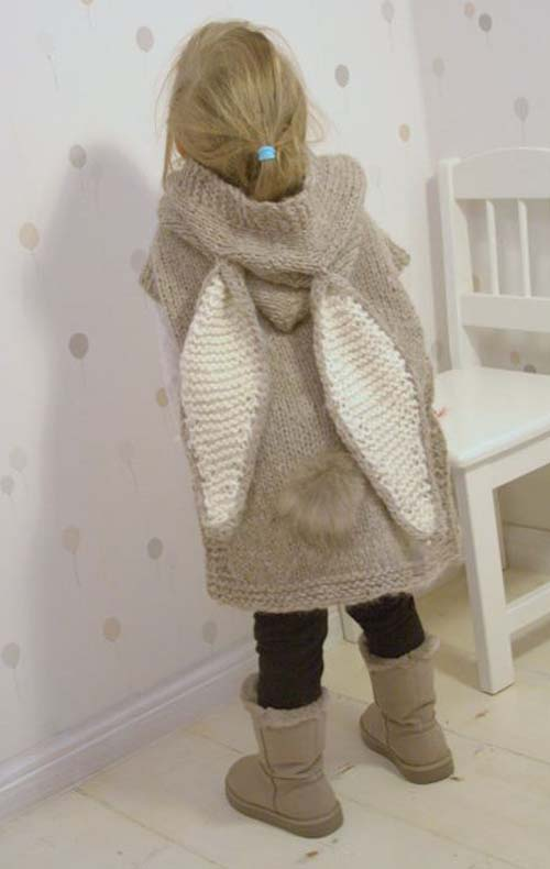 Easy Hooded Poncho Phoebe - Knitting Pattern